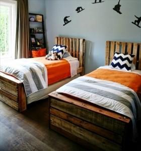 8-paturi handmade de o persoana pentru camera copiilor din paleti de lemn