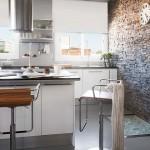 8-perete placat cu piatra naturala decor bucatarie moderna cu accente industriale