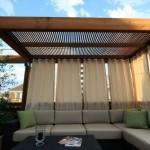 8-pergola din lemn design modern decorata cu perdele vaporoase