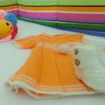 8-rochita portocalie si botosei crosetati decor camera bebe