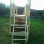 8-scara din lemn a locului de joaca finalizata