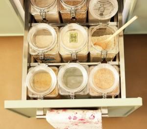 8-sertar compartimentat pentru alimentele de bacanie-orez sare zahar si altele