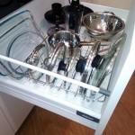 8-sertar cu feronerie Blum pentru capace si alte vase de bucatarie