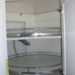 8-sistem rortativ integrat in dulapul din coltul garniturii de bucatarie