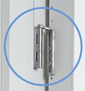 8-sistemul de prindere pe balamelele usii dulap compact Cabidor