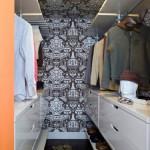 8-spatiu depozitare haine cu sertare polite si bare de umerase