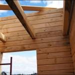 8-structura din lemn a placii dintre etajele casei imbinate in sistem lego