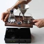 8-tavita cu cafetiera ceas desteptator inventie joshua renouf