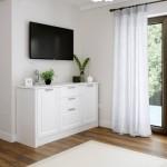 8-televizor montat pe perete zona relaxare bucatarie stil clasic proiect Manuel Saliche