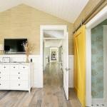 8-usa de interior glisanta de culoare galbena