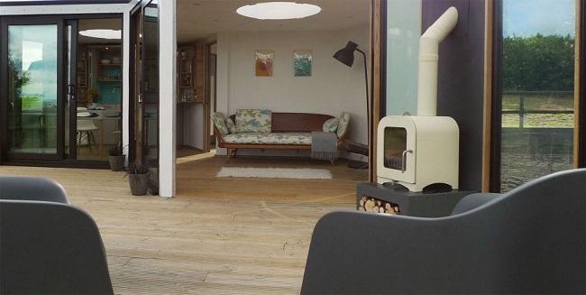 8-vedere de pe terasa spre living casa din module hexagonale tip fagure