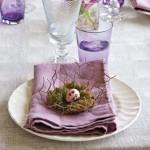 9-aranjament decorativ masa de Pasti crem si mov