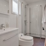 9-baie moderna alba casa mica lemn 57 mp