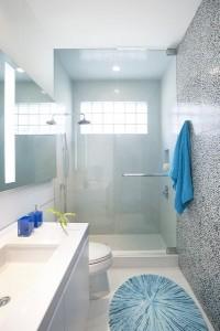 9-baie moderna amenajata si decorata in alb gri si bleu
