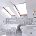 9-baie moderna cu gresie si faianta patchwork si obiecte sanitare albe