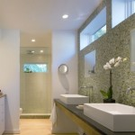 9-baie-moderna-cu-mozaic-verde-olive-si-gresie-galben-teracota