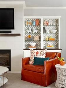 9-biblioteca living decorata cu tapet decorativ