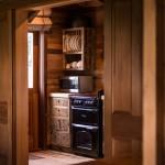 9-bucatarie rustica mobilier din lemn Cabana Ciobanului ferma Annandale