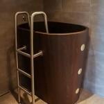 9-cada inalta din lemn cu scara de acces din inox by Frants Steer