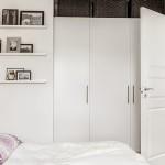 9-decor alb si violet dormitor apartament mic 2 camere