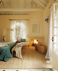 9-dormitor cu pardoseala placata cu gresie bej cu insertii verde smarald