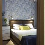 9-dormitor modern finisat in gri albastrui cu accente maro bleu si galbene