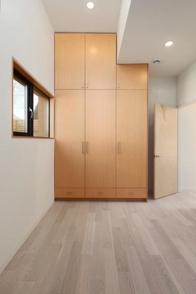 9-dormitor parter casa 74 mp