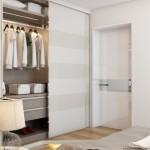 9-dressing dormitor modern amenajat in alb gri si bej