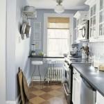 9-dupa transformare bucatarie ingusta decorata in bleu gri si alb