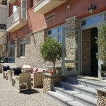 9-faleza cu restaurante cafenele si taverne Paralio Astros Peloponez Grecia