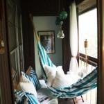 9-hamac si bancuta confortabila amenajare balcon mic si ingust