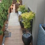 9-idee amenajare curte ingusta si lunga stil minimalist in laterala casei