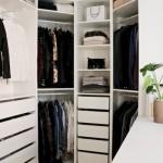 9-idee proiectare dressing cu multe sertare polite si bare umerase in coltul dormitorului