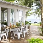 9-loc de luat masa in aer liber pe terasa casei renovate