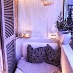 9-loc de relaxare amenajat intr un balcon mic de apartament