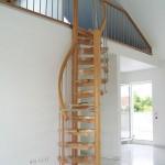 9-model scara interioara spiralata din metal cu trepte din lemn