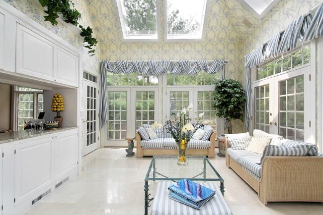 9-model veranda cu multe ferestre si luminator in tavan