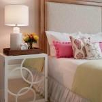 9-noptiera-placata-cu-oglinzi-decor-dormitor