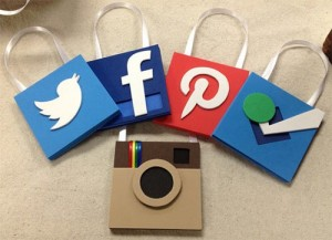 ornamente brad logo-uri social media