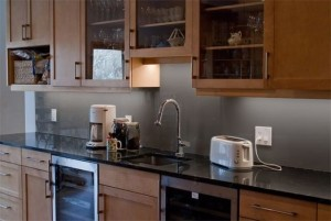 9-panou din sticla colorata gri decor perete bucatarie moderna mobilier din lemn