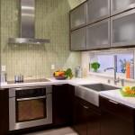9-perete bucatarie placat cu placi verticale inguste de ceramica