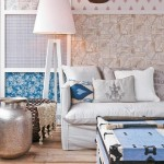 9-perete decorat cu bucati de tapet decor canapea living