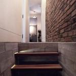 9-scara acces spre dormitoarele si baile apartamentului