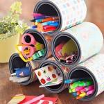9-sistem depozitare rechizite din cutii goale de conserve pentru organizarea biroului din camera copilului