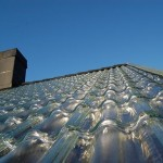 Tigla din sticla pentru acoperis – un sistem revolutionar de incalzire solara