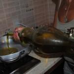 adaugare ulei masline preparare scoici