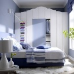 amenajare dormitor modern alb si albastru