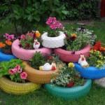Jardiniere si ghivece din cauciucuri vechi pentru gradina ta – 12 IMAGINI