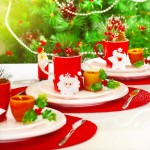 aranjament masa festiva craciun rosu si alb