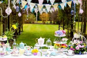 Idei decorative pentru petrecerile in aer liber din gradina casei tale